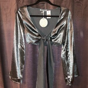 NWT LF Tie-front Metallic Flare Sleeve Top